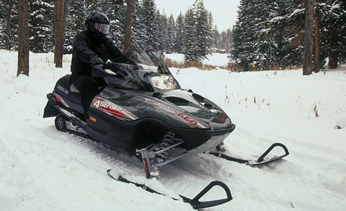 2004 Arctic Cat T660 snowmobile