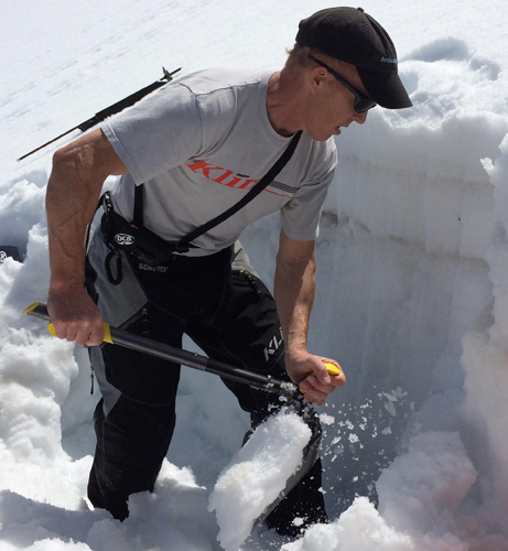 BCA D-2 EXT Avalanche Shovel