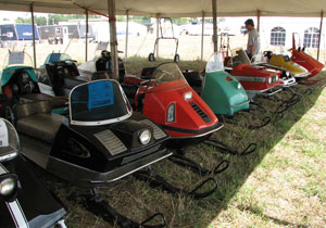 Engineers of these old sleds frequently had the same idea in mind as modern day engineers on sleds of 2010.