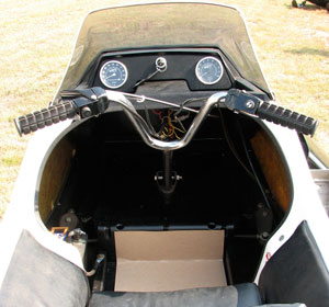 Raider Twin-Track Cockpit