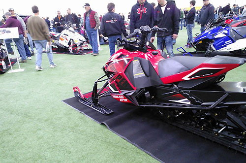 2014 Yamaha Viper Red