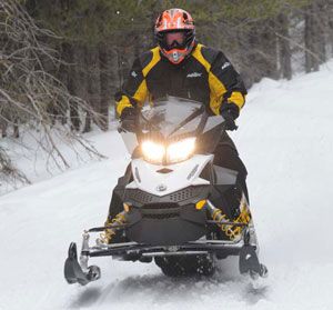 The 60 horsepower the 600 ACE pumps out feels pretty good thanks to the lightweight Ski-Doo REV-XP chassis. It rides nice, has good throttle response and is whisper quiet.